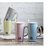 陶磁器のコーヒー・マグ/Cup OEMの顧客のための陶磁器のふたが付いている16のOz