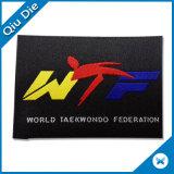 Endfold ha personalizzato il tessuto di Woevn usato per i contrassegni dell'abito