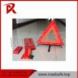 Seguridad vial de plástico blanco rojo el triángulo de emergencia soporte