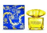 Madame de marque/parfum de femmes avec des bouteilles de verre cristal