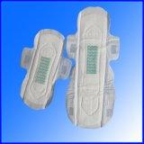serviette hygiénique à ailes par surface en soie de forme de mode pour Madame Use