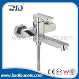 Único Faucet quadrado do misturador do chuveiro do banho do punho lustrado cromado