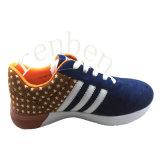 新しく熱い販売の普及した人のスニーカーの靴