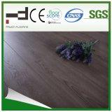 Plancher stratifié à l'eau douce à l'épreuve de l'eau au chêne gris de 12 mm en chêne gris