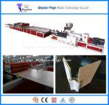 Le WPC Profil creux Board / WPC plafond décoratif Panneau mural Extrusion Making Machine