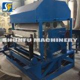 Kleine Maschinerie, welche die Maschinen herstellen Papiermassen-Ei-Tellersegment bildet