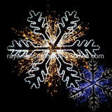 LEIDENE Kerstmis die de Grote Lichten van Themed van de Sneeuwvlokken van het Motief verfraaien