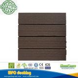 Водоустойчивая блокируя деревянная пластичная плитка Decking смеси WPC с сертификатом Ce