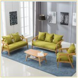 Couch-Stuhl-Sofa-Stuhl mit dem Verdoppelungholzbock-Kissen angeboten