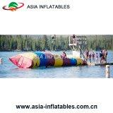 Salto gonfiabile della chiazza del Aqua dei giochi dell'acqua del giocattolo della tela incatramata del PVC di qualità, chiazza gonfiabile della catapulta dell'acqua