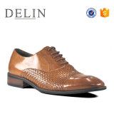 Nouveau design personnalisé des chaussures en cuir résistant à la main occasionnels