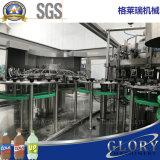 Macchinario della bevanda del gas con il coperchiamento di riempimento di lavaggio
