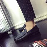Шток вскользь ботинок новых людей типа дешевый обувает педаль управляя подошвой ботинок людей резиновый