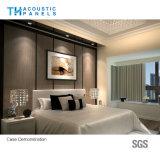 Panneau de mur couvert de tissu décoratif intérieur d'absorption saine de fibre de polyester pour l'hôtel