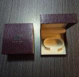 Logo Hot personnalisée gravée Bijoux boîte cadeau avec du papier de flanelle