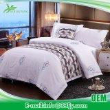快適な高級ホテルの印刷された綿の敷布