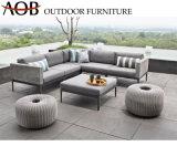 Il salotto di vimini di ospitalità del giardino del patio della casa del rattan esterno moderno cinese della mobilia imposta la mobilia del sofà con lo sgabello contemporaneo