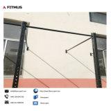 Impianto di perforazione fissato al muro della strumentazione di forma fisica della casa di addestramento di concentrazione