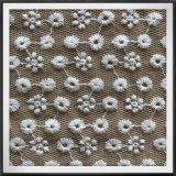 多網の刺繍ファブリック綿の刺繍のレースの小さい花の刺繍