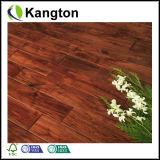 Небольшой деревянный пол и акации листьев (разработано пол)