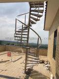 屋根のための工場によってカスタマイズされる屋外の使用されたステンレス鋼の螺線形の回転の手すり階段
