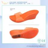 Сандалии студня PVC Uppr с сандалиями клина женщин высокой пятки