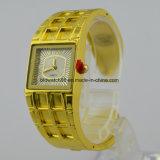 Вахты повелительниц браслета способа золота кварца wristwatch Bangle