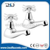 Легкой двойник пользы установленный палубой регулирует Faucet смесителя раковины ванной комнаты