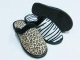 Zapatos suaves del deslizador de la comodidad de interior caliente de Wonmen Niza para el invierno