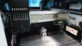 LED-Lampen-Herstellungs-Maschinerie in der montierenzeile