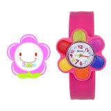 Bande de montre promotionnelle bon marché d'enfants de dessin animé de claque de silicones