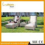 Einfache Art-im Freiengarten-Rattan-Aufenthaltsraum-Stuhl-Patio-Möbel mit Kissen
