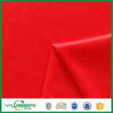 Kaufendes rotes Trikot-Weste-Gewebe