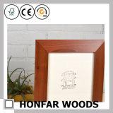 Frame de retrato estando da madeira contínua de Brown para a decoração Home