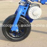 3 wielen die de Elektro Afdrijvende Autoped van de Mobiliteit van Trikke van de Autoped vouwen