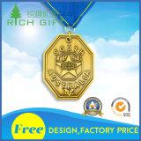 L'or/médaille blanc de récompense/souvenir avec le fond des textes conçoivent en fonction du client