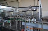 Petite machine de remplissage de l'eau minérale de bouteille de qualité