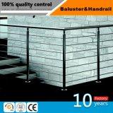 ステンレス鋼手すりまたはガラスのステアケースまたはガラスの装飾かガラスの柱