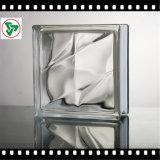 Блок прозрачного цвета стеклянный для стены