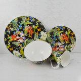 La vaisselle en céramique de la plaque d'accueil créatrice de la soupe plat mug