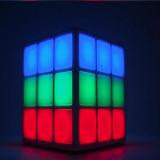 Prix d'usine Nouveaux produits 4 Surface LED Light Rubik's Cube Bluetooth Speaker Mini Sport Wireless Bluetooth Speaker