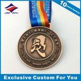 リボンが付いている旧式な銅のスポーツ賞の金属メダル宗教メダル