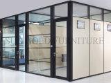 Раскройте офисную мебель стены перегородки рабочей станции офиса высокую деревянную (SZ-WST775)