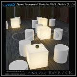 2016 eindeutige LED-Plastikstühle für Garten