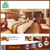 Conjunto de quarto com madeira usada para o hotel