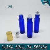 roulis en verre bleu de boule de commande d'acier inoxydable du cylindre 10ml sur la bouteille