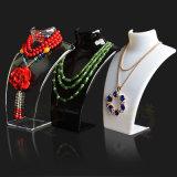 Transparent acrylique/noir/blanc d'étalage de bijou de stand de collier