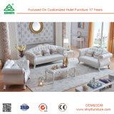 Sofá moderno do couro branco do projeto de madeira da fábrica