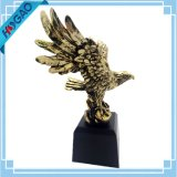 De vleugels van de Kale Adelaar van de Glorie bronzen Gegalvaniseerd Beeldje met het Standbeeld van de Hars van de Basis