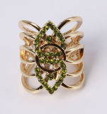 De Ring van de Juwelen van de Manier van de Legering van het zink met de Bergkristallen van het Kristal